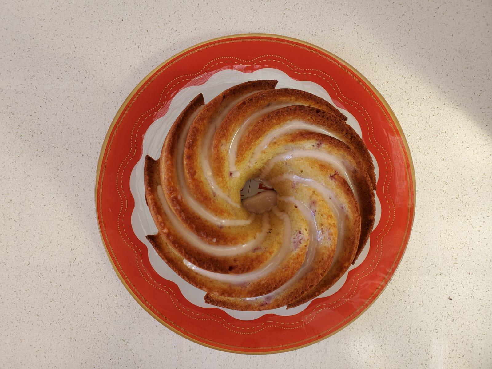 עוגת תות שדה בחושה
