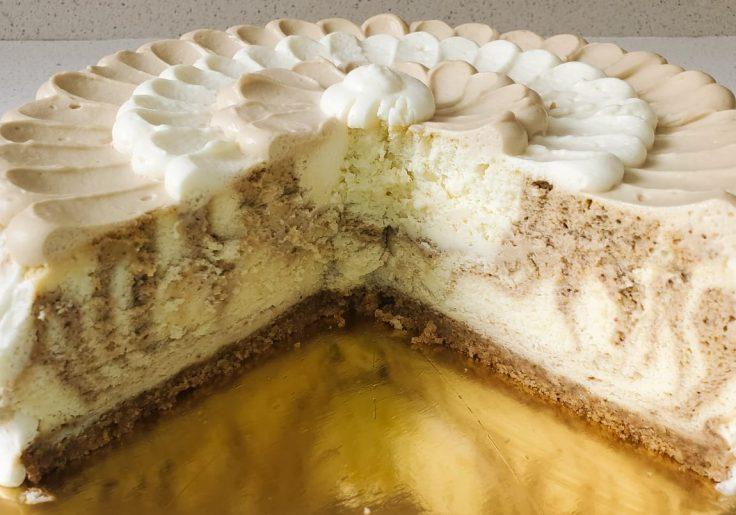 עוגת גבינה אפויה עם נגיעות קפה